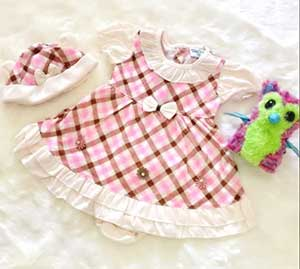 Dress_Baby_with_Little_Flower