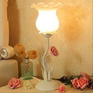 single_bulb_table_glass_lamp