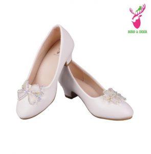 foto-rekomendasi-sepatu-terbaik-untuk-kado-anak-perempuan-5-tahun-2