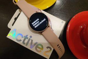 Foto-smartwatch-terbaik-yang-bisa-membuat-gaya-anda-semakin-keren-4