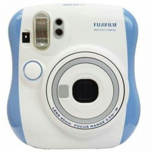 foto-rekomedasi-kamera-polaroid-untuk-anak-muda-02